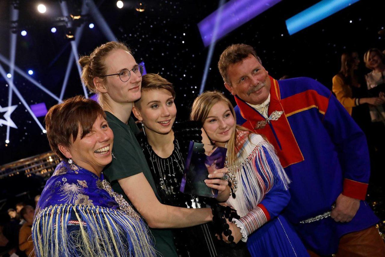 Ella-Marie-med-familie-Stjernekamp-1280x853.jpg