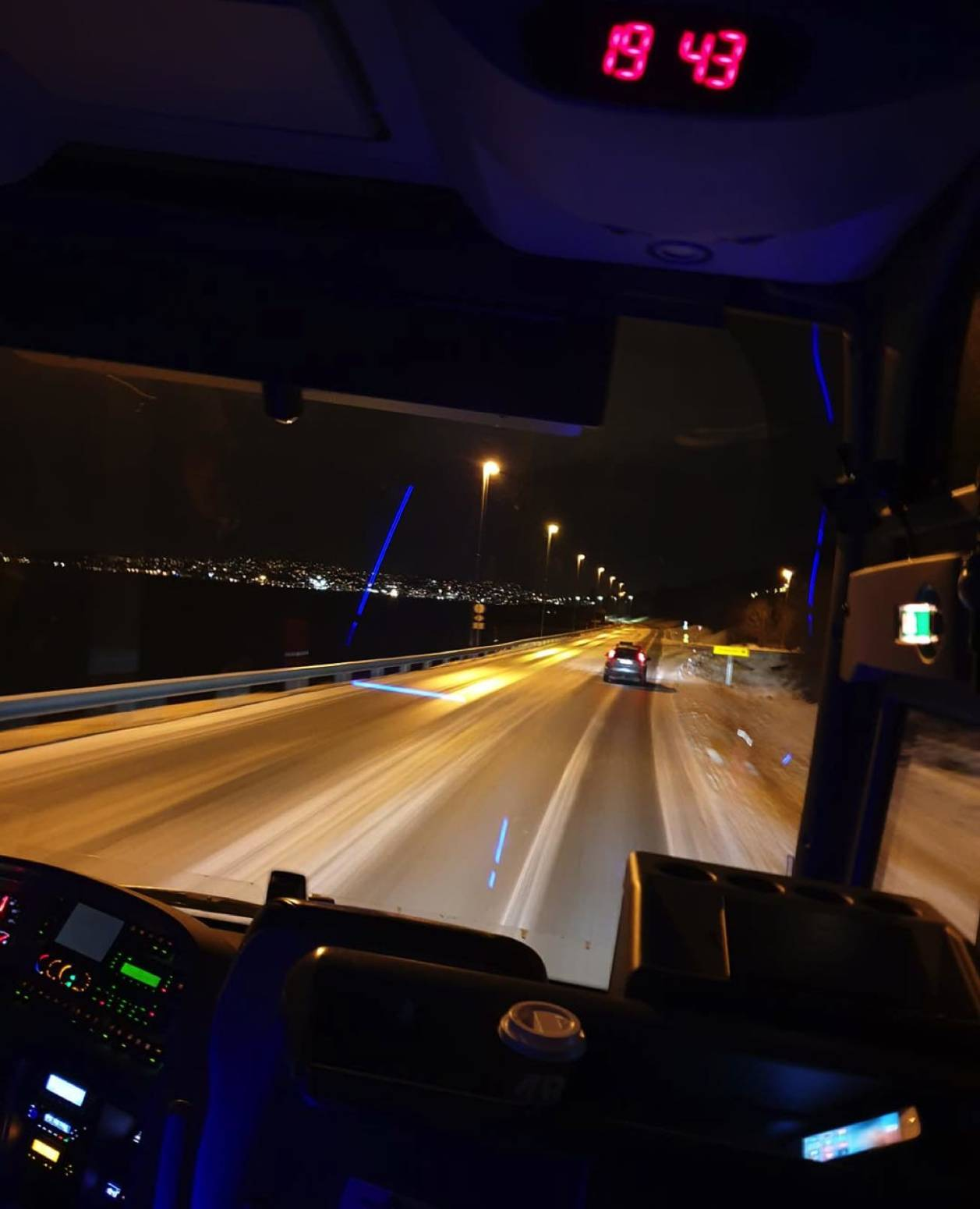 i-buss-mot-tromsø-arctic-route.jpg
